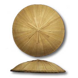 菅笠(大野笠) この笠は骨が直線的でなく、湾曲しています。 菅笠(山高... 深江菅細工保存会